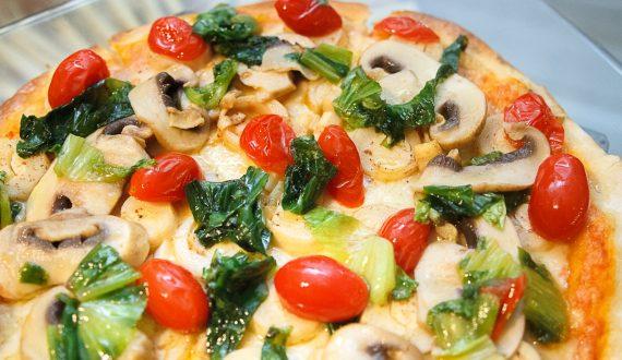 Pizza escarola tomate cereja / Tra i Gusti